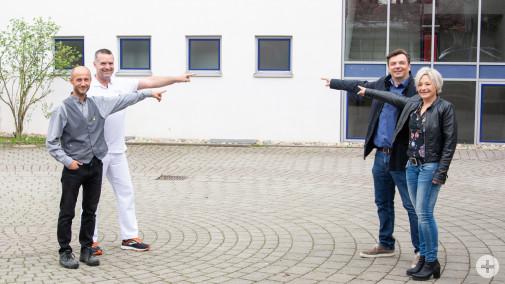 Hier steht bei der Gewerbeausstellung in Dunningen die Bühne. Von links: Henry Berger, Tobias Krug, Steffen Hemberger und Kerstin Gapp.